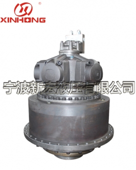 Hydraulic transmission device for rolling machine